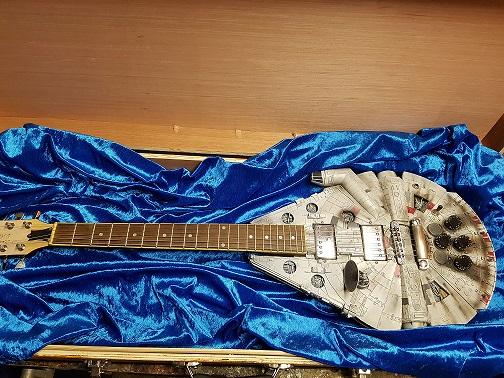 personnalisation de guitare faucon millenium