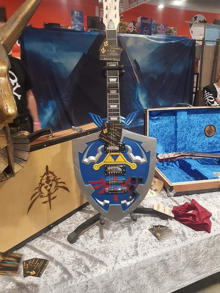 guitare custom Zelda ocarina of time breath of the wild